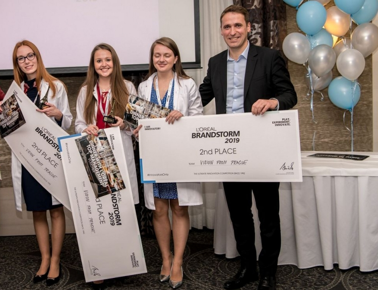 FIR students' success in BRANDSTORM competition by L´Oréal