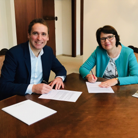 University signed partnership agreement with L'Oréal