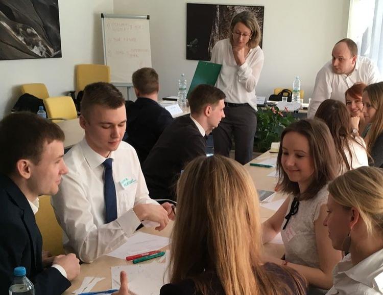 CEMS Mock Assessment Centre at Job Fair Šance