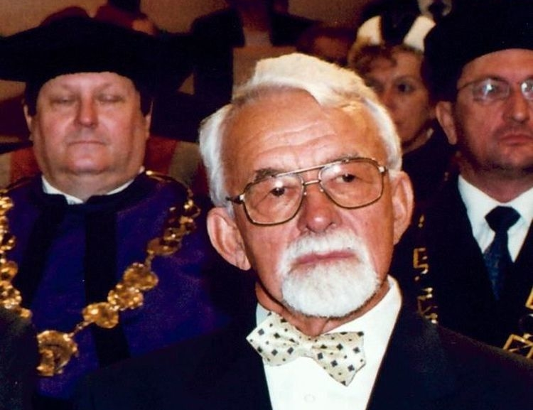 Professor Jiří Jindra, Dean Emeritus of FIR, passed away