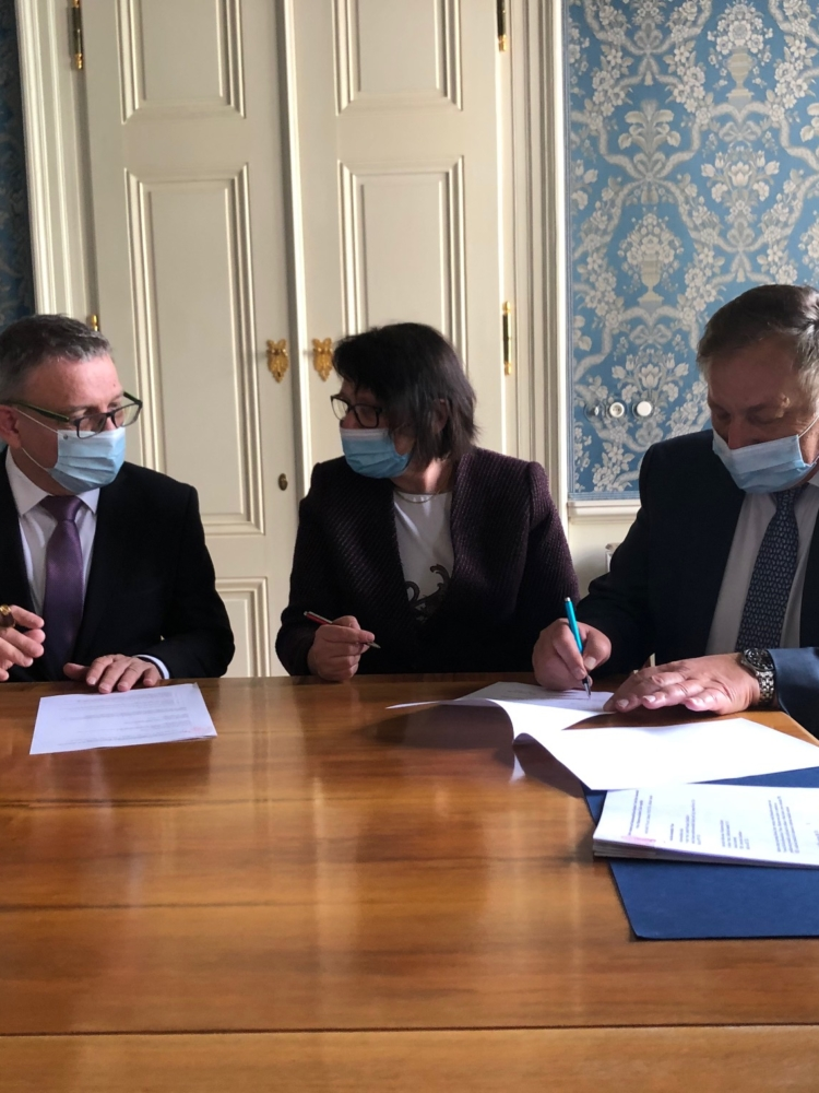 Agreement on long-term cooperation between the Faculty of Business Administration and the Ministry of Culture of the Czech Republic
