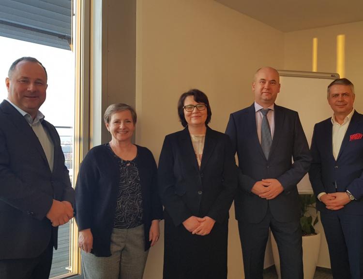 Česká spořitelna bude nadále generálním partnerem VŠE
