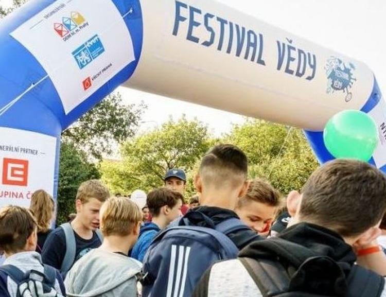 VŠE na Festivalu vědy 2019: Za vším hledej peníze a data