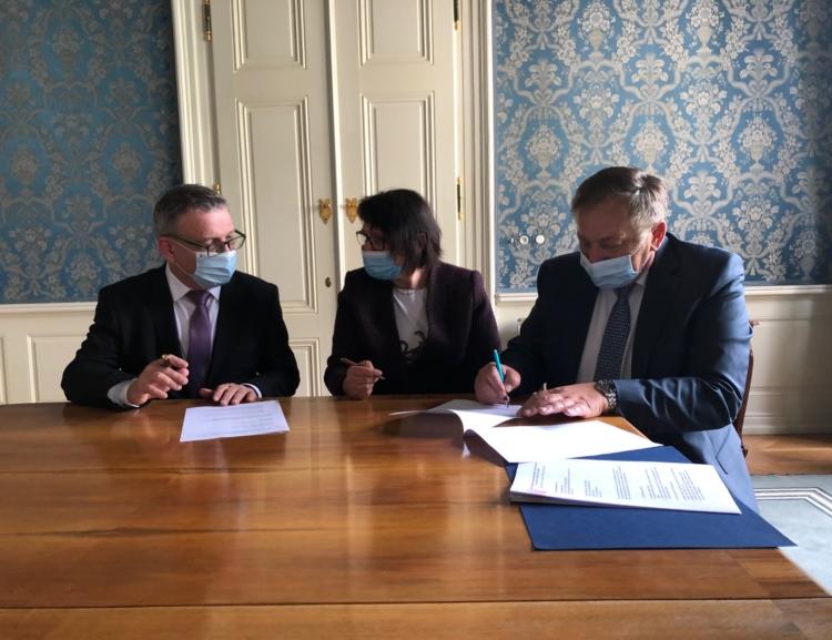 Podpis dohody o dlouhodobé spolupráci mezi Fakultou podnikohospodářskou a Ministerstvem kultury ČR