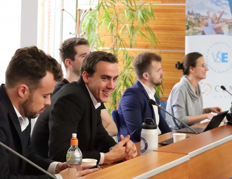 Závěrečné prezentace CEMS Business Project 2019