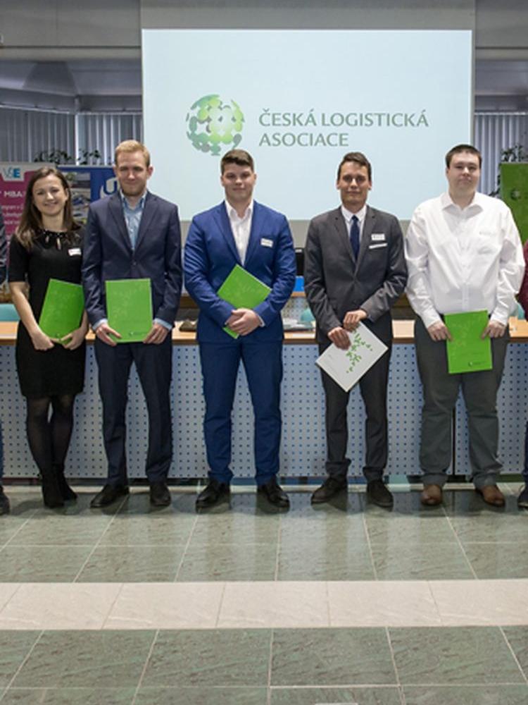 Katedra logistiky udělila první mezinárodní certifikáty ECBLc na VŠE
