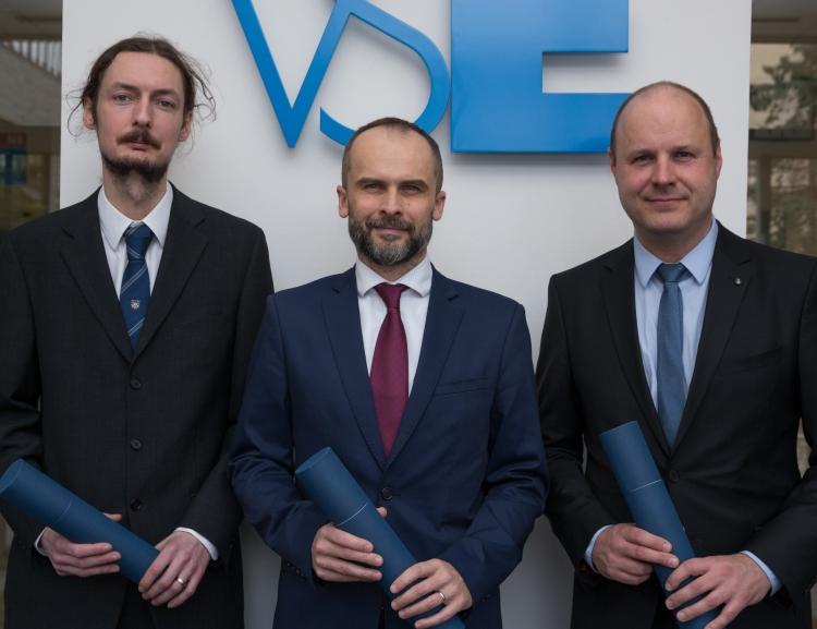 Rektorka VŠE předala jmenovací dekrety čtyřem novým docentům