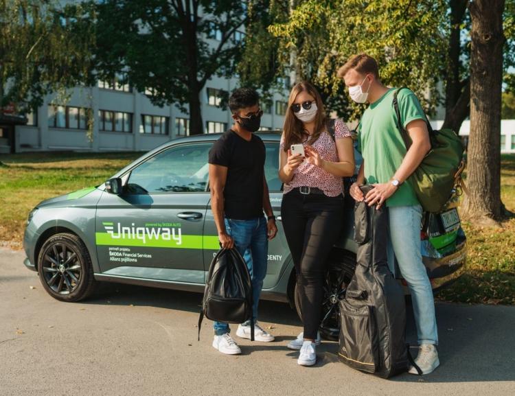 Univerzitní carsharing Uniqway spolupracuje s Červeným křížem a hledá dobrovolníky mezi studenty