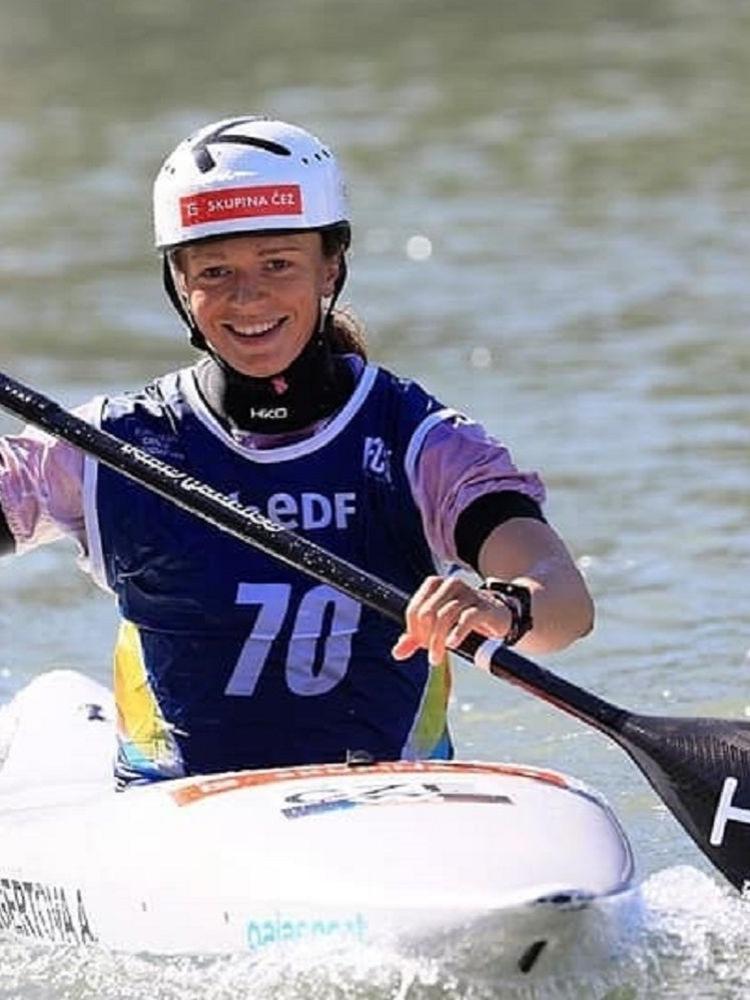 Studentka FMV Amálie Hilgertová se stala mistryní Evropy ve vodním slalomu