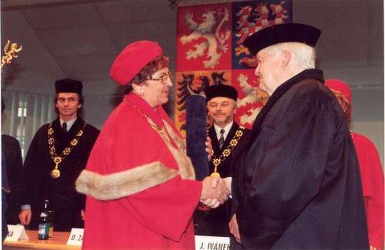 Zemřel nositel Nobelovy ceny za ekonomii a držitel čestného titulu Doctor Honoris Causa VŠE Robert A. Mundell