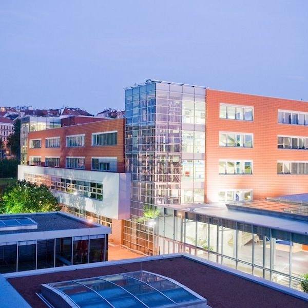 Moderní kampus v centru města