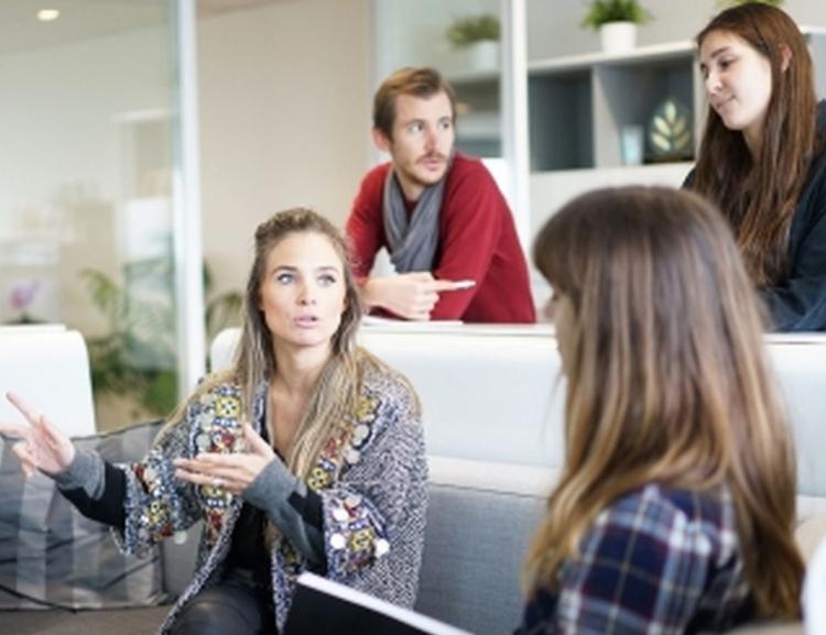 Ve zkouškovém období lze využít online poradenství Akademické psychologické poradny